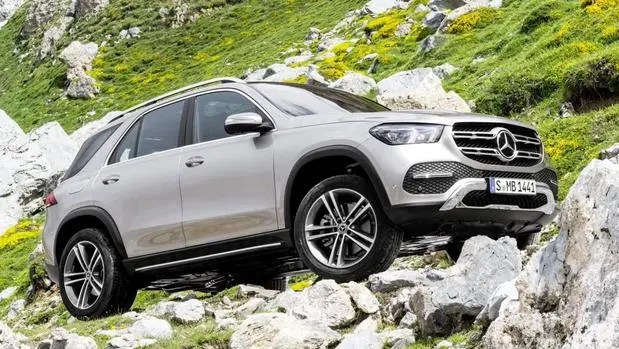 GLE SUV Side View