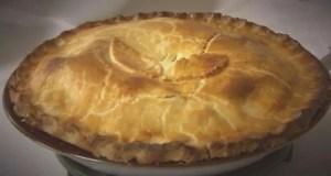 Traditional chicken pie