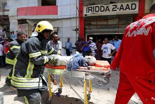 Car bomb kills 11