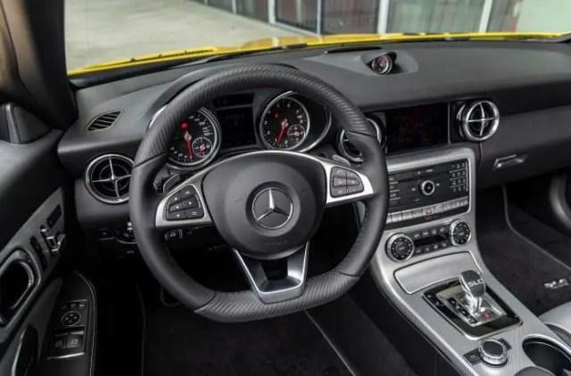 Mecerdes Benz SLC interior