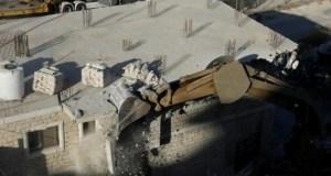 Israel demolishes Palestinian homes