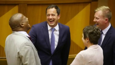 Photo of John Steenhuisen launches campaign to be official DA leader