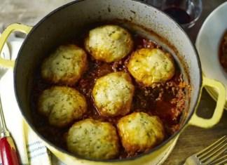 Mince with herb dumplings