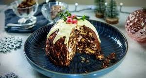 Christmas pudding fridge cake