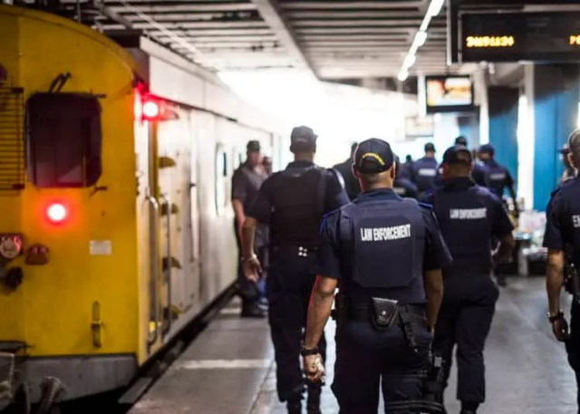 Police search Metro Rail
