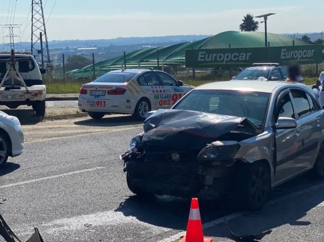 Two injured in Sandton crash