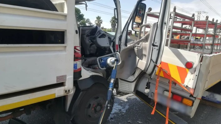 Two injured Edenvale crash