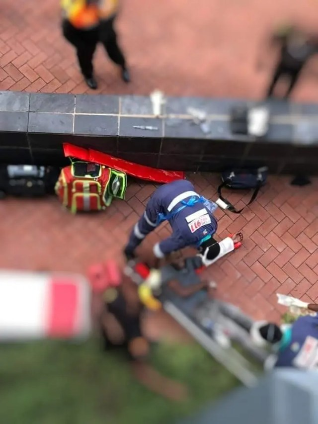 Three seriously injured after jumping from first floor