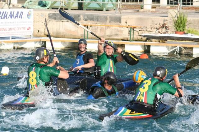 SA canoeing