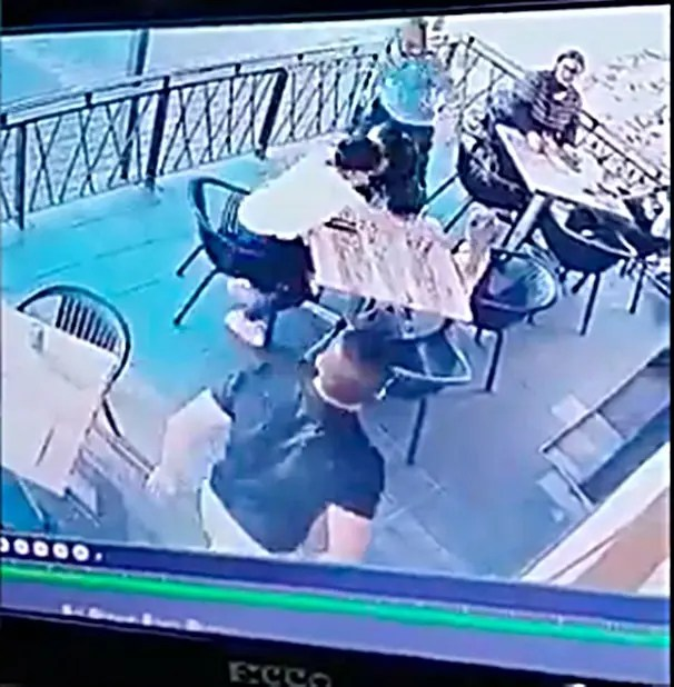 Chaos at Florida restaurant as Man high on drugs tries to grab young Girl