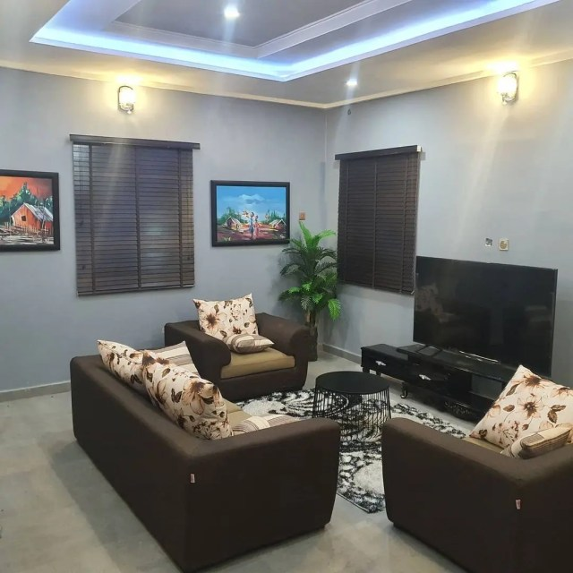 Emmanuella builts a stunning house for her Mom
