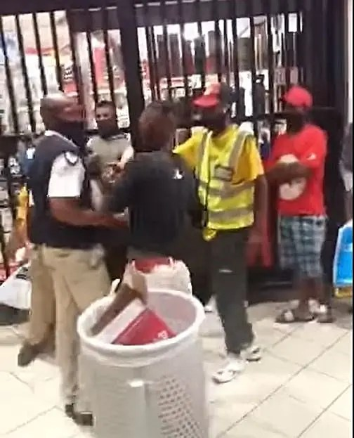 security guard stabs alcohol customer to death