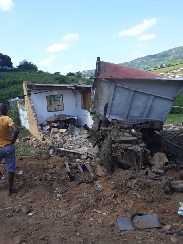 Three dead in Durban truck crash