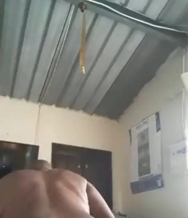 Video of SA father twerking n@ked shocks Mzansi
