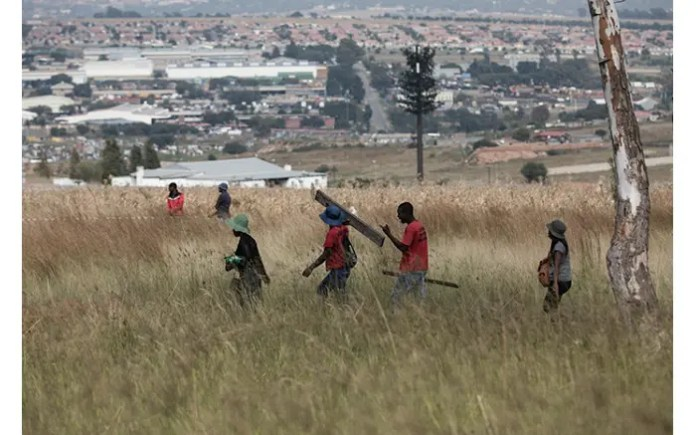 Shots fired at Rabie Ridge land invaders