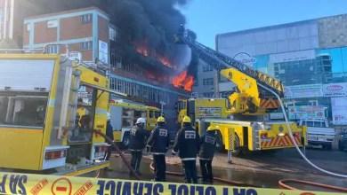 Fire rips through 2 Durban buildings