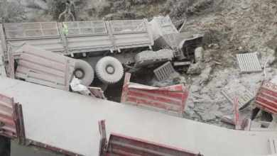 One dead and 2 injured after trucks collide near Harrismith
