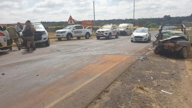 One dead, another seriously injured in R21 collision