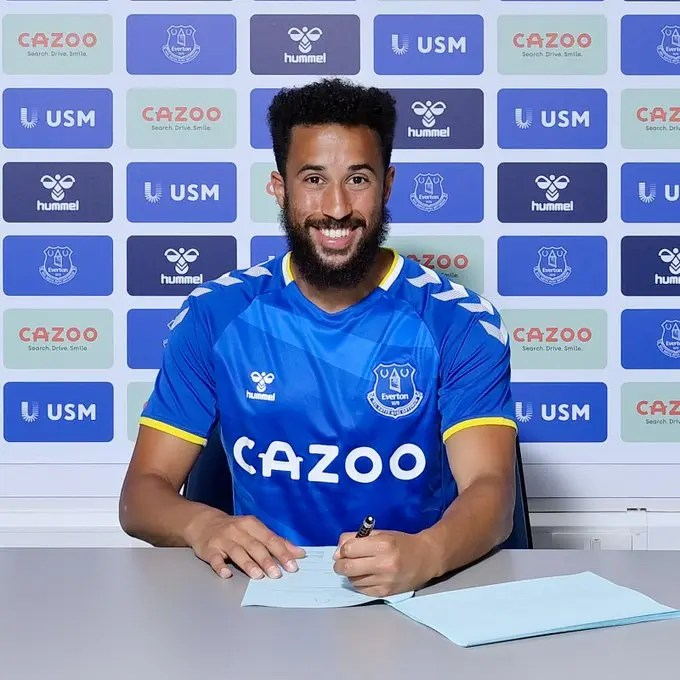 Everton sign Andros Townsend from Crystal Palace