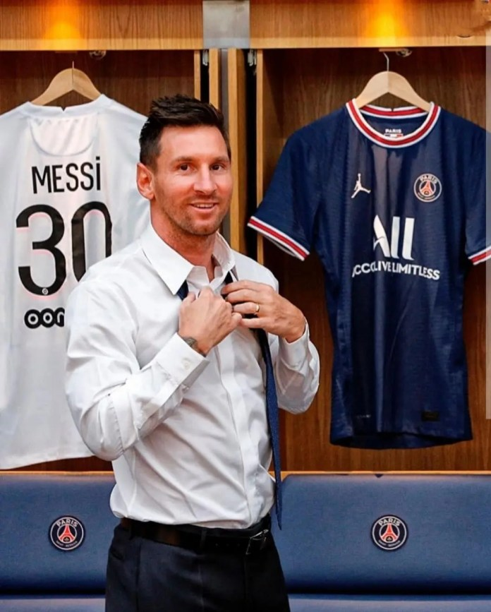 Lionel Messi's PSG shirt number revealed and first press conference – Video