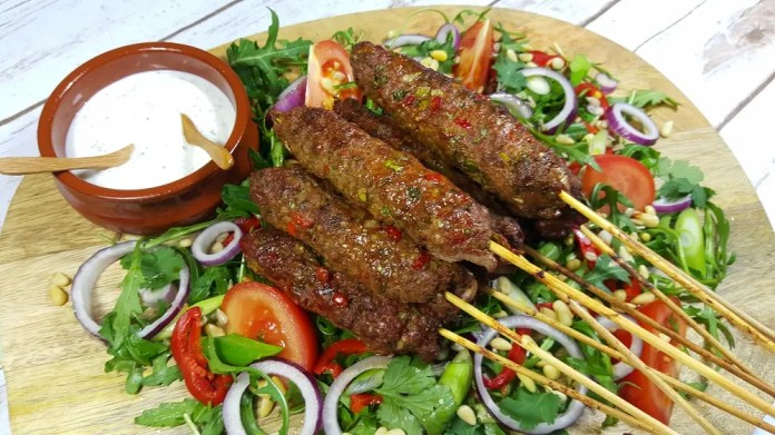 This is how to make Beef mince kebabs