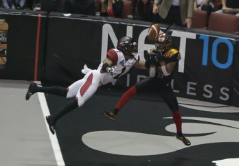 LA Kiss Receiver Samie Parker Drops 4th quarter Touchdown. Photo Credit : Jevone Moore / News4usonline.com