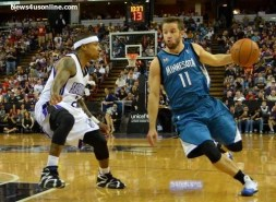 J.J. Barea (11) tries to get by the Kings' Isaiah Thomas. Photo Credit: Dennis J. Freeman Jr./News4usonline.com