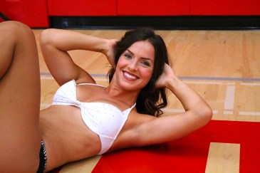 Getting ready for the LA Clippers Spirit Dance Team audition. Photo by Dennis J. Freeman/News4usonline.com