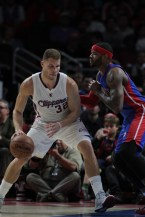 Blake Griffin (32) shows off the moves against the Pistons. Photo by Jevone Moore/News4usonline.com