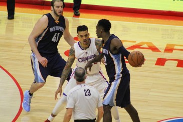 Matt Barnes looks to apply some defensive pressure against Jeff Green in the Clippers' 94-86 win at Staples Center Saturday, April 11, 2015. Photo Credit: Dennis J. Freeman/News4usonline.com