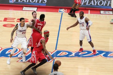 Corey Brewer of the Houston Rockets saved his team, going for 15 points in the third rating. Photo by Jevone Moore/News4usonline.com