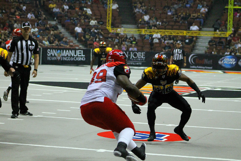 An LA KISS defender looks to be on an island by himself. Photo by Dennis J. Freeman/News4usonline.com