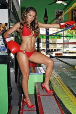 Model/actress and fitness guru Jazmin Siguenza looking for all comers in the ring. Photo by Mac Alexander/news4usonline.com