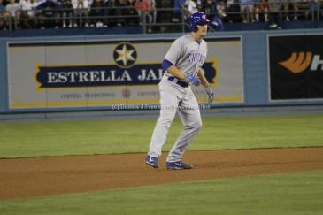 A Chicago Cubs baserunner on the move. Photo by Dennis J. Freeman/News4usonline