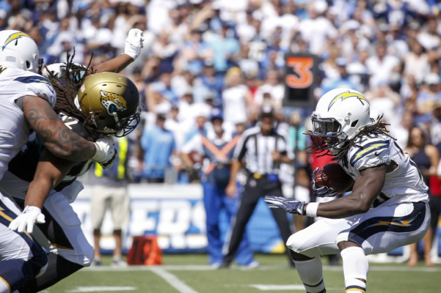 San Diego Chargers running back Melvin Gordon on his way to a 102-yard, one touchdown day against the Jacksonville Jaguars on Sunday, Sept. 18, 2016. Photo by Tiffany Zablosky/News4usonline