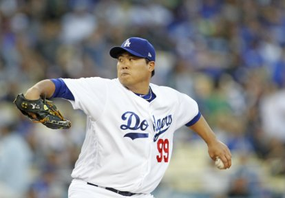 Dodgers pitch Hyun-Jin Ryu was injured early in the team's 2-1 defeat to the San Francisco Giants on Saturday, Sept. 23, 2017. Photo by Kevin Carden/News4usonline