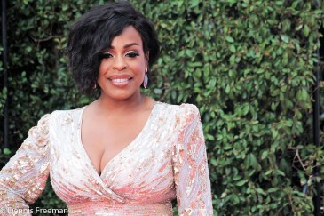 """Niecy Nash, nominated for a NAACP Image Award in the category of """"Outstanding Actress in a Comedy Series"""" is all smiles on the red carpet Monday, Jan. 15, 2018. Photo by Dennis J. Freeman"""