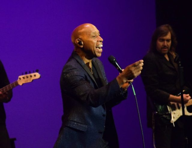 Jeffrey Osborne in concert