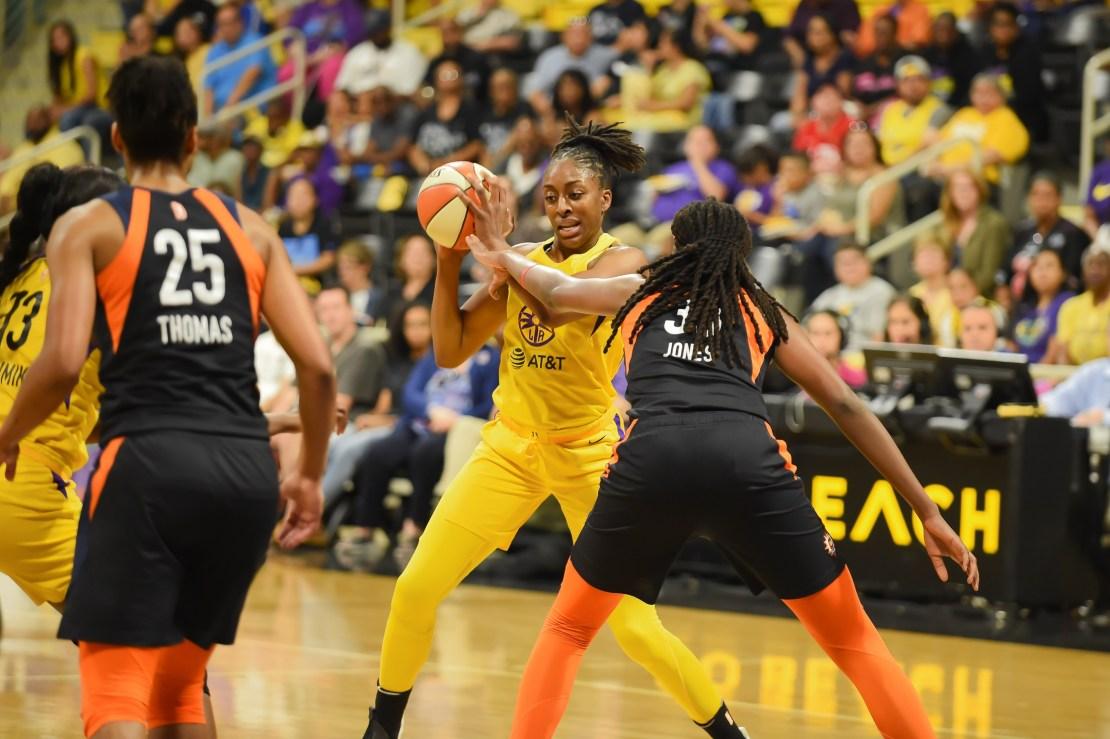 Sparks-Sun WNBA playoff game