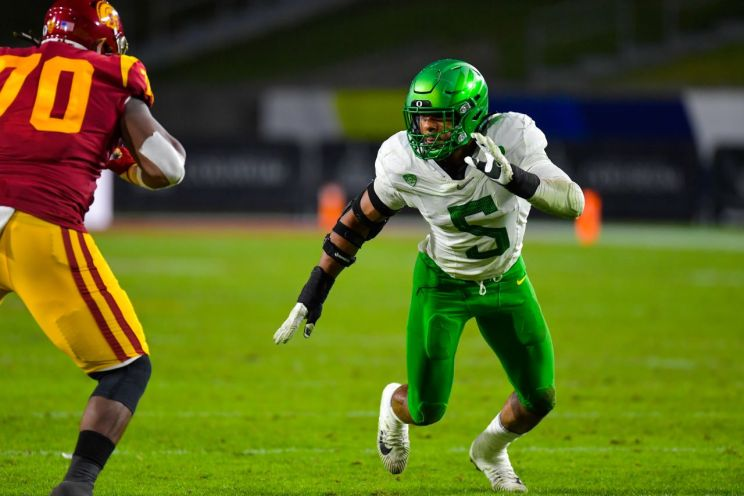 Oregon cranked up the defense and gets three sacks and three interceptions in a 31-24 Pac-12 Championship win against USC at United Airlines Field at the Los Angeles Memorial Coliseum on Friday, Dec. 18, 2020. Leading the charge for the Ducks was defemsive lineman Kayvon Thibodeaux (5). Photo credit: John McGillen/IUSC Athletics