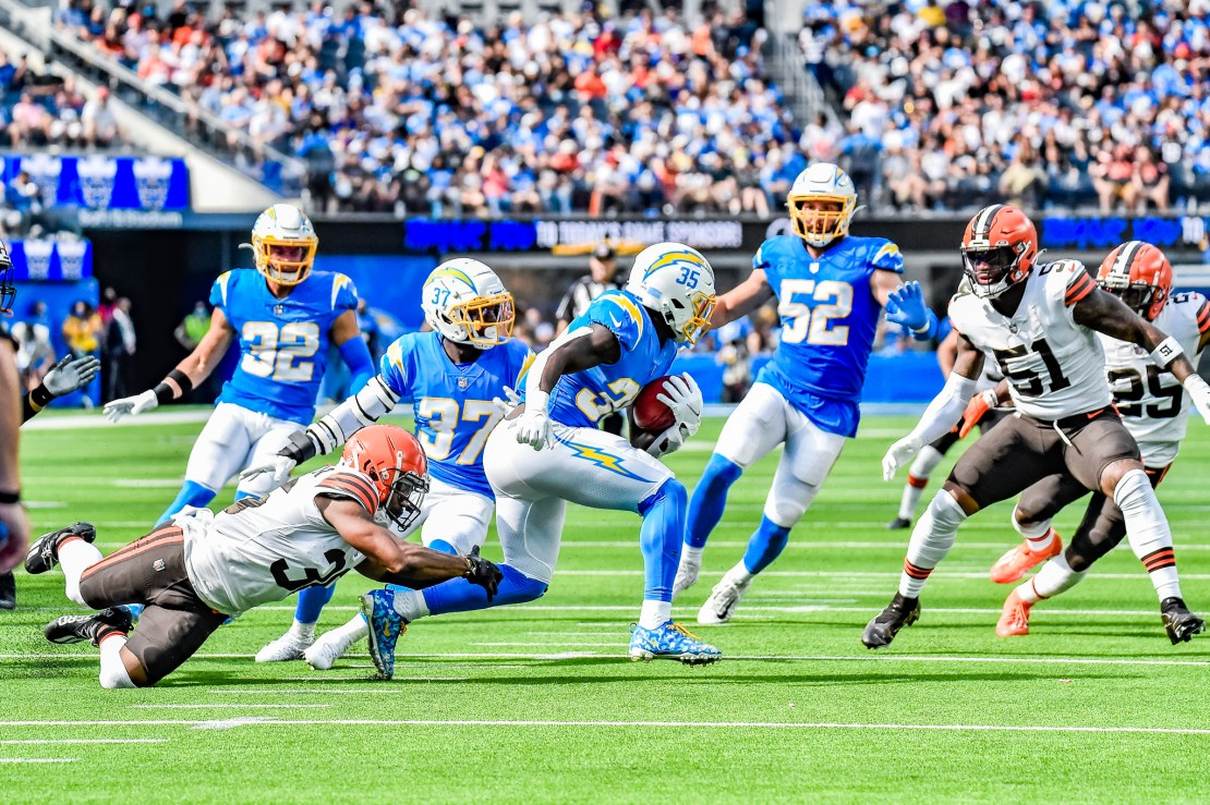 Chargers running back Larry Roundtree (35) on the run against the Cleveland Browns