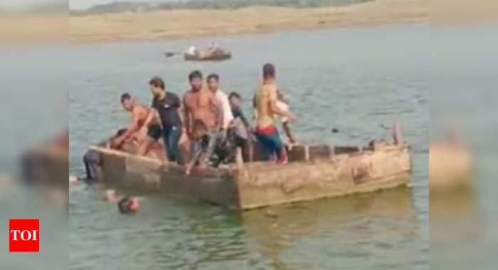 Boat carrying 40 devotees capsizes in Chambal river in Kota   Jaipur News