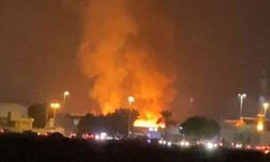 Video: UAE workers rescued from fire in Ras Al Khaimah accommodation
