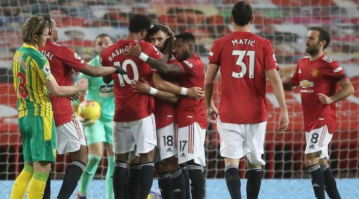 Manchester United get 1st league win at home with help from VAR