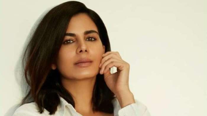 Kirti Kulhari is all praise for co-star Pankaj Tripathi; here's what she said