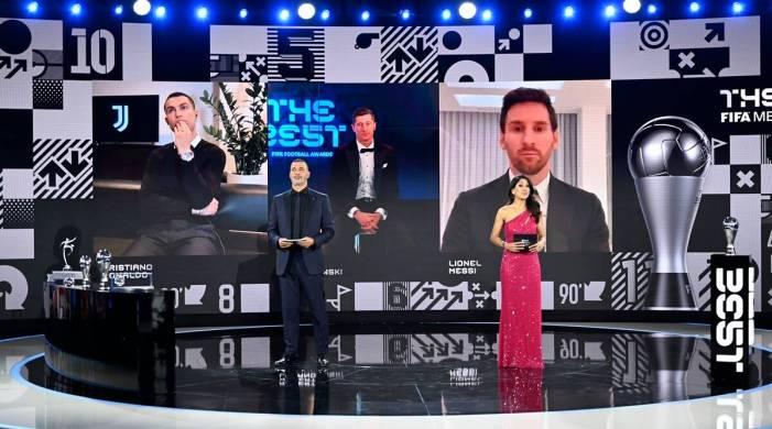 Robert Lewandowski wins FIFA award as best men's player