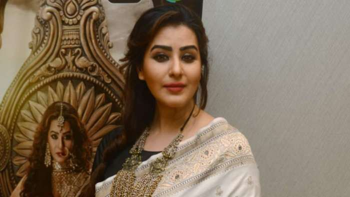 Shilpa Shinde shares video message, warns Twitter impersonators of legal action