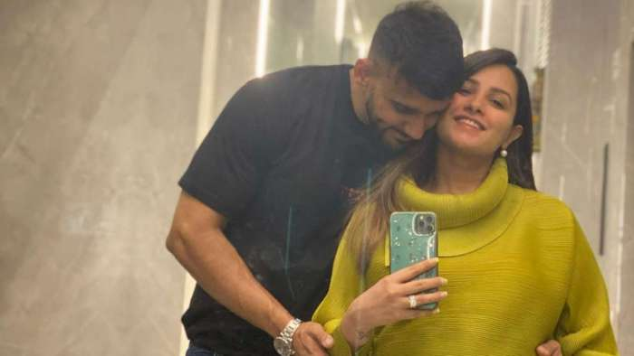 Anita Hassanandani gets a kick from baby during maternity photoshoot with Rohit Reddy