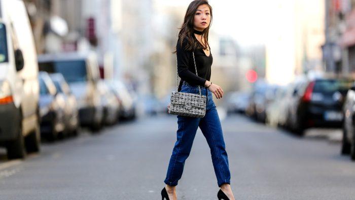 Los errores que las mujeres bajitas deben evitar al llevar jeans