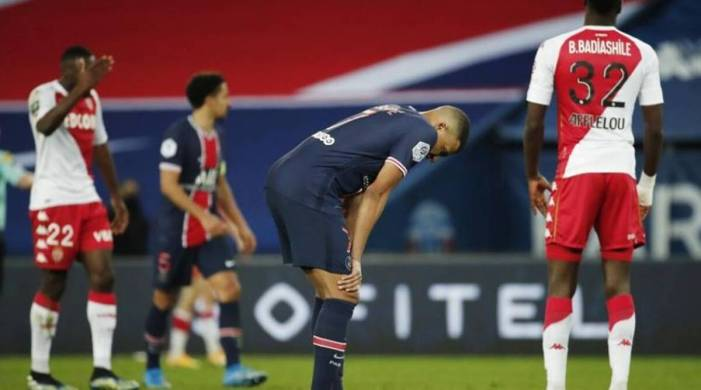 Mauricio Pochettino's PSG fall behind in title race with defeat to AS Monaco
